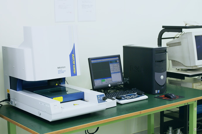 三次元測定機 2台