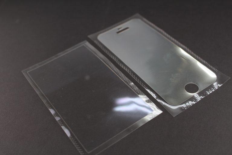 液晶保護フィルムの精密打ち抜き加工や貼り合わせ加工